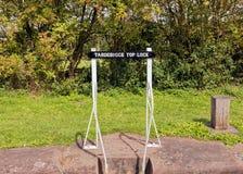 Tardebigge-Spitzen-Verschluss-Zeichen-, Worcester- und Birmingham-Kanal, England lizenzfreies stockbild