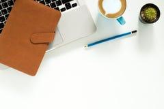 target1166_0_ biznesmena biurka biurowy sieci biel Obraz Royalty Free