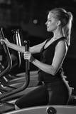 target552_0_ gym maszynowego bieg kobiety potomstwa Bieg na maszynie Fotografia Royalty Free