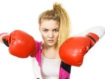 target1134_0_ kobiety gniewne bokserskie rękawiczki Obraz Royalty Free