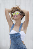 target683_1_ lato zielonej kobiety backgroun kwiaty Obrazy Stock