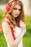 target1497_1_ muzykę kobieta piękni hełmofony Obraz Stock