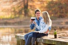 target1266_0_ pary wino obrazy royalty free