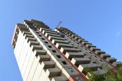 target1895_1_ wielo- kondygnacja Budowa kondygnacja budynek mieszkalny crane budowlanych Zdjęcia Stock