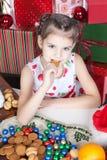 target10_1_ dziewczyny trochę Bożych Narodzeń ciastka Zdjęcie Royalty Free