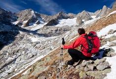 target1115_0_ panoramę wycieczkowicz wysoka góra Obrazy Stock
