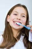 target1335_0_ dziewczyna jej zęby Obraz Royalty Free