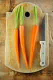 target1622_1_ nóż deskowe marchewki Zdjęcia Royalty Free