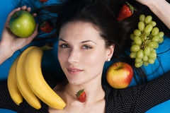 target1627_1_ kobiet potomstwa piękne owoc obrazy stock