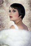 TARGET168_0_ perły brunetka żeński podlotek Obrazy Stock