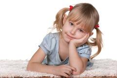 target169_1_ gęsty rozważnego dywanowa dziewczyna obrazy stock
