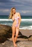target1710_0_ kobiet potomstwa atrakcyjny bikini Zdjęcia Royalty Free