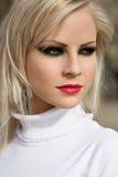 target1775_0_ ulicznych potomstwa moda blond model zdjęcia royalty free