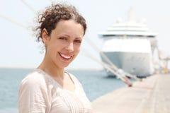 target1828_0_ uśmiechniętej kobiety kamera duży rejs Fotografia Stock