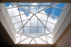 target2347_1_ nowożytny dach Obrazy Stock