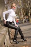target2437_0_ ulicznych potomstwa moda blond model zdjęcie stock