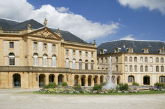 target47_1_ grodowa fontanny France Metz woda zdjęcia stock