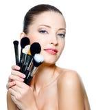 target5293_1_ uzupełniającej kobiety piękni muśnięcia młody Obrazy Stock
