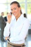 TARGET607_0_ na telefon komórkowy piękna biznesowa kobieta Zdjęcie Royalty Free