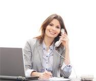 TARGET685_0_ na telefonie brunetka młody bizneswoman zdjęcia stock