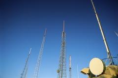TARGET744_0_ w niebo radiowa antena Obraz Stock