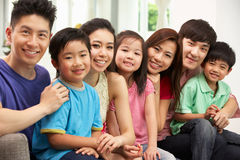 TARGET778_1_ W Domu I TARGET779_0_ dwa Chińskiej Rodziny Zdjęcia Stock
