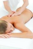 TARGET799_0_ masaż szczęśliwa kobieta Zdjęcie Stock
