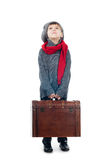 TARGET823_1_ drewnianego bagażnika młoda chłopiec Zdjęcie Stock