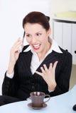 target997_0_ bizneswomanu gniewny telefon Zdjęcie Stock