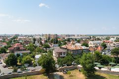 Targoviste市鸟瞰图在Dambovita 它是在第15的罗马尼亚` s资本和16世纪 库存图片