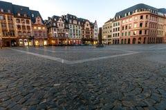 Targowy kwadrat w starym miasteczku Mainz, Niemcy przy zmierzchem Fotografia Stock