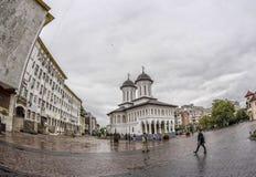 TARGU-JIU, RUMÄNIEN 8. OKTOBER: Heilige Königkirche im Präfekturquadrat am 8. Oktober 2014 lizenzfreie stockbilder