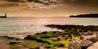 Tarifa-Küste, atlantisches Meer lizenzfreie stockfotos