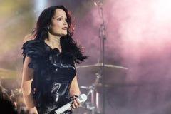 Tarja auf Konzert Stockfotos