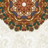 Tarjeta adornada con el estampado de flores del ornamental del círculo Fotografía de archivo