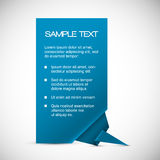 Tarjeta azul del vector con la esquina del origami ilustración del vector