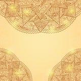 Tarjeta brillante de la invitación de Brown del oro con el cordón Mandala Decoration Imagenes de archivo