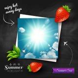 Tarjeta con el sol caliente del verano en un fondo de la pizarra. Imag del vector Imagenes de archivo