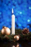 Tarjeta con las ramas de árbol de Navidad, b de la decoración de la Navidad o del Año Nuevo Fotografía de archivo