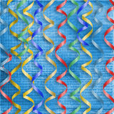 Tarjeta con los bobinadores de cintas en modo continuo multicolores al día de fiesta Imagenes de archivo