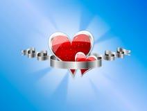 Tarjeta con los corazones rojos, ribbo en blanco de plata de la tarjeta del día de San Valentín Fotos de archivo libres de regalías