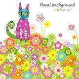 Fondo floral con un gato Foto de archivo libre de regalías