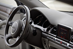 Tarjeta de Audi A8 foto de archivo
