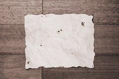 Tarjeta de aviso de papel quemada Fotos de archivo libres de regalías