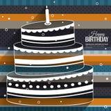 Tarjeta de cumpleaños con la torta en las rayas coloridas Foto de archivo libre de regalías