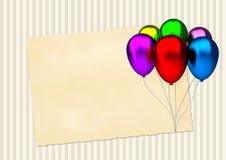 Tarjeta de cumpleaños con los globos coloridos del partido y Imagen de archivo libre de regalías