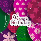 Tarjeta de cumpleaños con los globos de papel y cumpleaños Fotos de archivo