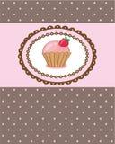 Tarjeta de cumpleaños con la magdalena Foto de archivo libre de regalías