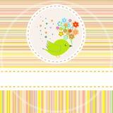 Tarjeta de cumpleaños con los pájaros lindos con los regalos de las flores Fotos de archivo libres de regalías