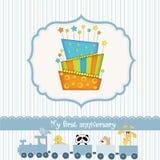 Tarjeta de cumpleaños del bebé con la torta Imagenes de archivo
